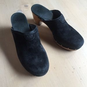 Ugg Abbie Black Suede Shearling Lined Clogs Size 8